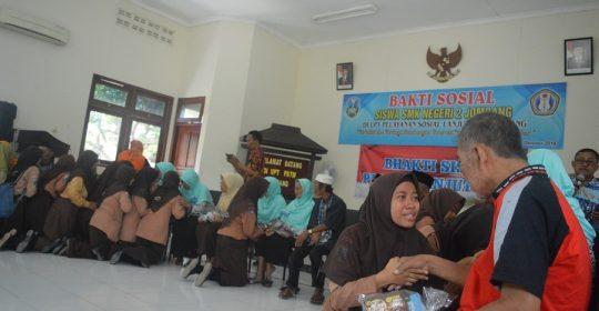 Bakti Sosial di UPT Pelayanan Sosial Lanjut Usia Jombang