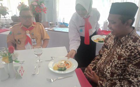 Table Manner SMKN 2 Jombang